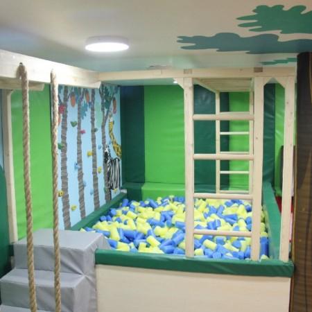 مجموعه چوبی خانه بازی و مهد کودک 1213