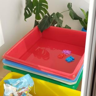 استخر آب بازی کودک یک ساله