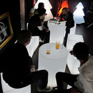 میز led استوانه ای