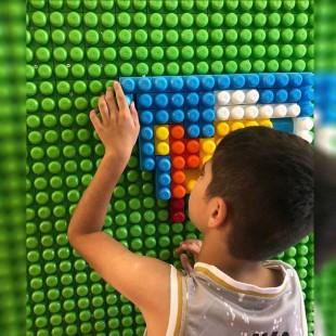دیوار لگو بازی