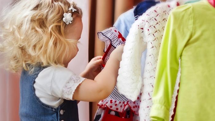 فواید انتخاب لباس توسط کودک