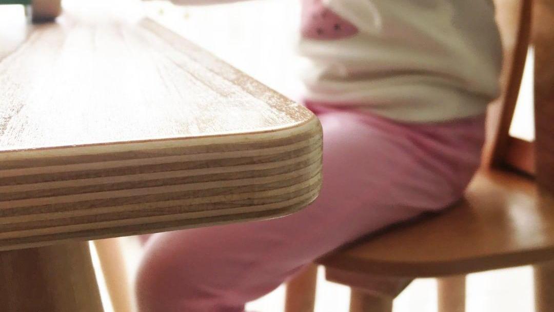 میز و صندلی بدون لبه تیز