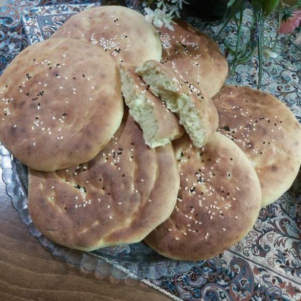 طرز تهیه نان گرده شیرازی