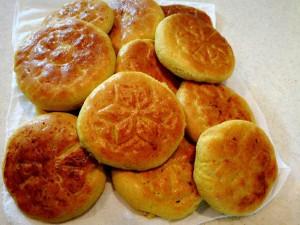 طرز تهیه نان فطیر تبریزی در تنور مبتکر