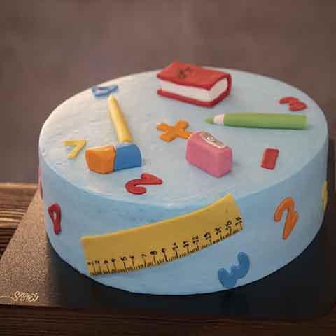 کیک خامه  - فوندانت بازگشایی مدارس