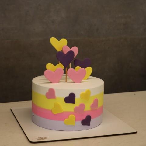 کیک قلب رنگ رنگی