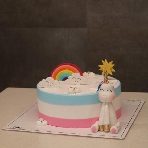 کیک تک شاخ عروسکی