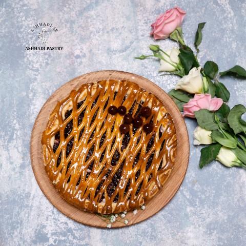 تارت پیتزایی با لایه میانی آلبالو