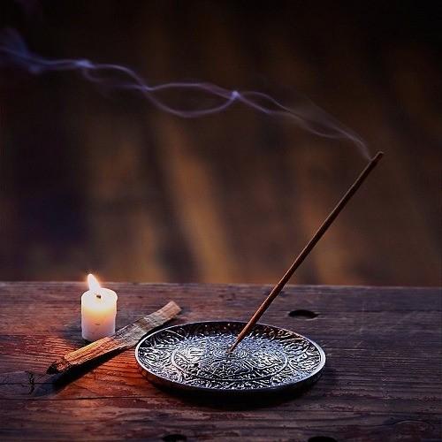 دلایل استفاده از عودها و خواص جادویی و درمانی عودها