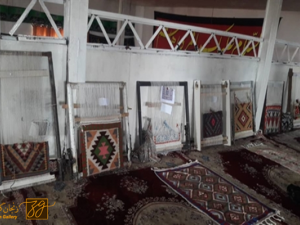 80 درصد از مردم روستای شکورآباد شهرستان سلطانیه گلیم میبافند